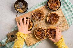 Herzhafte Chäschüechli - Rezepte | little FOOBY Valeur Nutritive, Quiche, Dairy, Menu, Cheese, Food, Kitchen Workshop, New Recipes, Kid Cooking