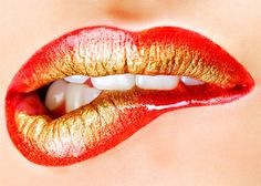 glamorous-lips Picture from makeup. lips make up Gold Lips Wallpaper, Lip Pictures, Or Rouge, Lip Biting, Lipgloss, Lipsticks, Gold Lipstick, Lipstick Tricks, Lipstick Style