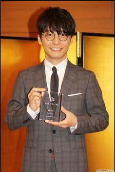 伊丹十三賞おめでとうございます。どんどんすごい人になっていくねー。かっこいいなぁー。