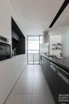 로프트(loft) 감성이 깃든 외국같은집 위치:서울 양천구 목동 주거형태: 주상복합 면적: 184m2 (57평형) 가... Home Kitchens, Interior Design, House, Plastic, Yellow, Home Decor, Kitchen, Minimalism, Home Deco