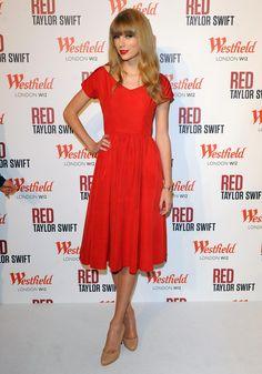 Taylor Swift London Christmas Light Show 2012.