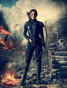 Katniss Everdeen (Jennifer Lawrence) the girl on fire and the mocking hunger games mocking jay part one The Hunger Games, Hunger Games Fandom, Hunger Games Mockingjay, Hunger Games Catching Fire, Hunger Games Trilogy, Katniss Everdeen, Katniss And Peeta, Katniss Braid, Mocking Jay