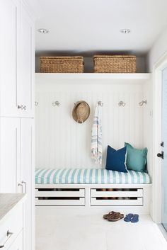 Beautiful Open Spaced, Fresh from the Beach Drop Station- Coastal Cottage Mud Room. I love the shoe drawers! Decoration Hall, Entryway Decor, Coastal Entryway, Entryway Ideas, Wall Decor, Wall Art, Small Mudroom Ideas, Entry Way Design, Coastal Cottage