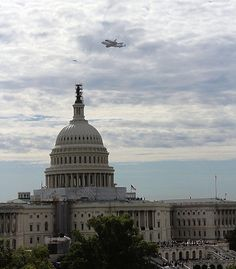 Space Shuttle Discovery over DC!