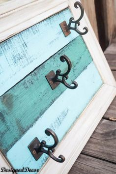 Pallet -Wal-l Decor- with- hooks