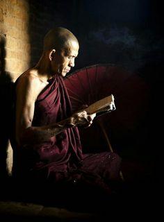 """Old monk,"" Bagan, Burma. Books Art, Old Monk, Gautama Buddha, Buddhist Monk, Pictures Of People, People Of The World, Yoga Meditation, Image, Faith"