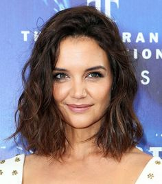 25 Short Haircuts for Curly Hair That Expertly Shape Your Coils