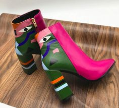 Dream Shoes, Crazy Shoes, Funky Shoes, Cute Shoes, Me Too Shoes, Kind Und Kegel, Leather Heels, Leather Bags, Leather Booties