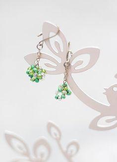 Kupuj mé předměty na #vinted http://www.vinted.cz/doplnky/nausnice/16236831-zelene-koralkove-nausnice-rucni-vyroba