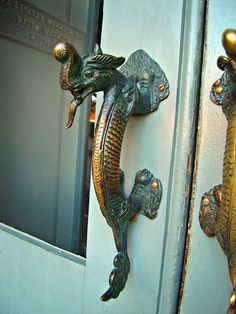 Metallic Sculpture : door handle