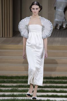 Chanel Spring 2016 Couture Fashion Show - Greta Varlese (Elite)