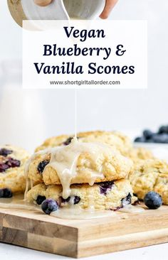 A delicious & easy Vegan Blueberry Scone recipe topped with vanilla glaze and fr. Scones Vegan, Dairy Free Scones, Healthy Scones, Vegan Scones Recipe Easy, Blueberry Scones Recipe, Blueberry Cookies, Blueberry Desserts, Vegan Blueberry Recipes, Scone Recipe No Egg