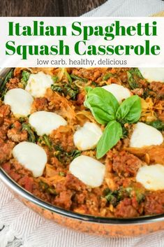 This cheesy low carb Italian Spaghetti Squash Casserole dinner is made with grou. - This cheesy low carb Italian Spaghetti Squash Casserole dinner is made with ground beef tomatoes sp - Good Healthy Recipes, Lunch Recipes, Vegetarian Recipes, Dinner Recipes, Cooking Recipes, Ww Recipes, Fall Recipes, Weight Watchers Spaghetti Squash Recipe, Amigurumi