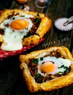 Mushroom Egg Breakfast Pastry Tarts are easy, quick and delicious. Get your day started with some Mushroom Egg Pastry Tarts. Good Food, Yummy Food, Breakfast Pastries, Quick Meals, Food To Make, Stuffed Mushrooms, Brunch, Food And Drink, Tarts