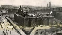 The Manchester Royal Infirmary and Lunatic Asylum, Piccadily. Where the broad pavement is, there used to be an ornamental lake. Manchester Piccadilly, Manchester Street, Manchester City Centre, Manchester Uk, Old Pictures, Old Photos, Old Hospital, Vintage Children Photos, Salford