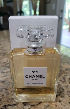 Chanel No 5 Eau Premiere oz EDP spray. New and unused tester in plain white tester box. There is writing on the box. Next day shipping. Please contact with any questions. Perfume Scents, Perfume Bottles, Nivea Lip Butter, Perfume Display, Chanel No 5, Dolce E Gabbana, Perfume Collection, Fragrance Mist, Smell Good