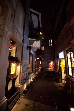 Shanghai+Xintiandi+alleyway