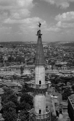 Süleymaniye minaresine alemin takılışı