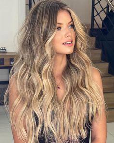 Blonde Hair Looks, Brown Blonde Hair, Sandy Blonde, Blonde Hair Inspiration, Balayage Hair Blonde, Baylage Blonde, Blowout Hair, Big Hair, Hair Highlights