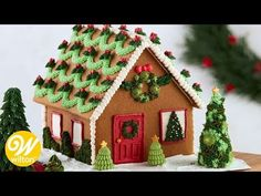 'Tis the season to create. Bring the joy and inspiration home with gingerbread house decorating ideas and techniques. Easy Gingerbread House, Graham Cracker Gingerbread House, Gingerbread Cookies, Christmas Cookies, Gingerbread House Decorating Ideas, Christmas Sweets, Christmas Time, Christmas Crafts, Xmas