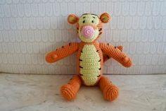 Tigerdyr hækleopskrift Crochet Animals, Crochet Toys, Crochet Baby, Knit Crochet, Chrochet, Yarn Projects, Knitting Projects, Loom Knitting, Baby Knitting