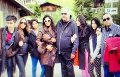 Rare moments of Boney Kapoor with wife Sridevi and all four kids (VIEW PICS)....http://bit.ly/1gICPnN