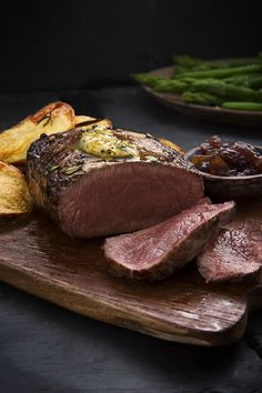Impress your Valentine with this recipe to cook our Simply Better 14 Day Matured Irish Angus Fillet Steak to perfection. Wine Recipes, Cooking Recipes, Wine Offers, Romantic Meals, Main Meals, Steak, Irish, Food, Cooker Recipes