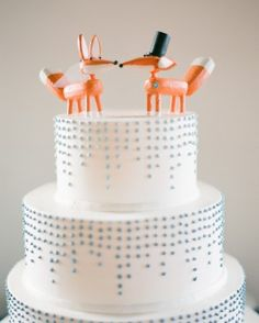 """See the """"Puppy Love"""" in our 29 Summer Wedding Cakes That We're Sweet On gallery"""