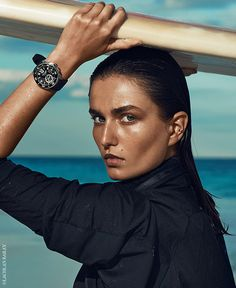 Make every second count above and below sea level with one of these stylish waterproof watches for women. Charles Darwin, Vogue Photography, Editorial Photography, Sport Watches, Cool Watches, Men's Watches, Bracelet Nato, Haute Tension, Sporty Bikini
