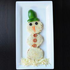 Cute Lunch Idea: Snowman Pizza