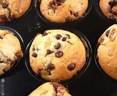 Locker leichte Muffins mit Schokotröpfchen Recipe Loose light muffins with chocolate droplets of magic pearl – recipe of the category baking sweet How To Clean Humidifier, Quick Dessert Recipes, Seafood Market, Recipe For 4, Perfect Food, Tray Bakes, Oreo, Easy Meals, Sweets