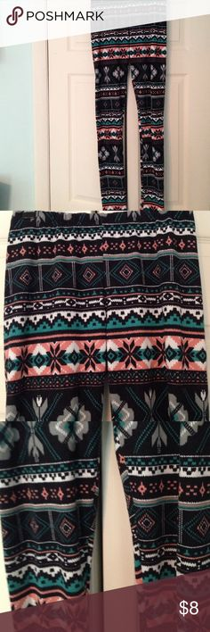 Delia's Patterned Leggings Soft and comfortable. Great design and goes perfect with a Solid colored sweater Delias Pants Leggings