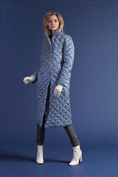 A stylish blue NAUMI down jacket is fastened with buttons, the length is below the knee. On the sides comfortable pockets, a line of small diamonds, a collar-stand. A small strap on the back in the tone of the product complements the down jacket. Trench Coat Style, Rain Wear, Casual Jeans, Winter Looks, Winter Wear, Coats For Women, Winter Fashion, Ready To Wear, Womens Fashion