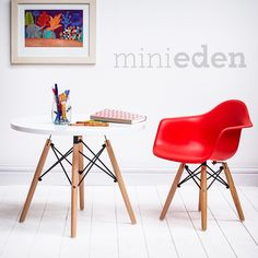 Eames Style DAW Armchair