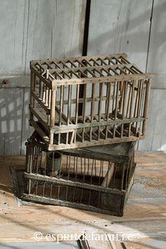 © Esprit de Famille I brocante en ligne I déco vintage industrielle  www.espritdefamille.co  Anciennes cages €34.90, brocante, décoration brocante, objet brocante, déco vintage