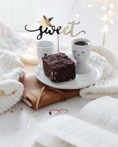 """920 Likes, 28 Comments - @martidamska on Instagram: """"... i wtedy na stół wjechało ono: mocno czekoladowe, jaglane, zdrowe - tak pyszne @dietbox_ 💛🙌🏻…"""""""