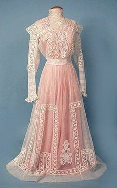 Tea gown, c. 1908 The first tea dress I've seen so far with its colored slip intact!