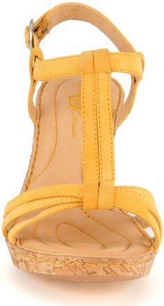 Born Crown Myndy in a very mellow yellow:  http://bit.ly/IEbi16
