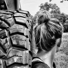 We thank @ for being a Real Jeep Girl. Jeep 💪 Jeep is simple . Royal Photography, Photography Poses, Jeep Jeep, Jeep Wrangler, Country Girl Life, Country Girls, Jeep Photos, Girly Car, Girly Pictures