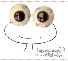 Deze bolle ogenkoekjes zijn gemaakt van kruidnoten! Toch wel handig dus dat die al te koop zijn ;-) Deze koekjes en andere verrassende recepten met kruidnoten vind je terug in het Kruidnoten Kookboek.  Bolle ogenkoekjes - leuk voorHalloweenof een griezel