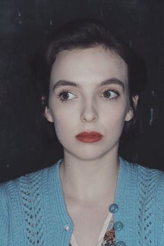 """""""i would like to see a vintage lesbian movie starring jodie comer"""" Makeup Inspo, Makeup Inspiration, Vintage Lesbian, Perry Como, Jodie Comer, Face Reference, Interesting Faces, Pretty People, Beautiful People"""