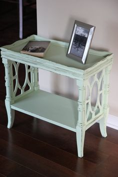 Vintage Mint Green Side Table/Accent Table/Coffee by ladygucci