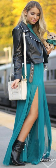 MUST HAVE: GREEN LACE DRESS // Fashion Look by Style With Trix
