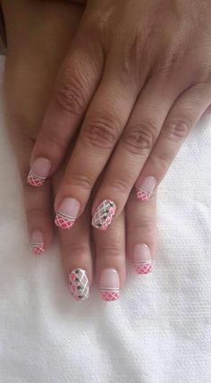 Nails Aztec Nails, Chevron Nails, Pink Nails, Toe Nails, Nail Designs 2017, Nail Art Designs, The Art Of Nails, Nautical Nails, French Tip Nails