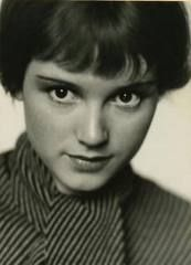 The adorable Hollywood actress, Dolly Haas,  is exactly how I imagine Dotty. Gamin!