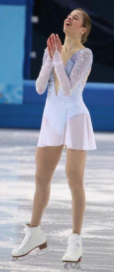 Carolina Kostner - Short Program - Sochi 2014