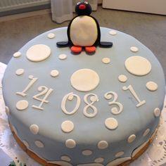 Pingu cake! #dop #christening #cake #tårta #babyshower #party #fest #boy #pojke #blue #blå #barn #kids #children #fun #love #kärlek #sockerpasta #sugarpaste #pingu #penguin #pingvin #göteborg #linné #gbgftw #catering #order #beställning #hallonmousse #dumlefluff