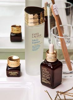 Estee Lauder Micro Essence Skin Activating Treatment Lotion - it is really fantastic! nighttime beauty routine for beautiful skin in the morning #OvernightBeautyTips #OvernightAcneBeautyTips #BeautySecretsForSkin #SkinCareRoutineFor20S Beauty Routine 20s, Beauty Routine Checklist, Skin Care Routine For 20s, Skincare Routine, Lotion, Beauty Tips For Skin, Beauty Secrets, Beauty Products, Natural Beauty