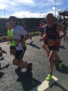 Pictures of Sam Heughan running the 'Great North Run' in support of Bloodwise UK | Outlander Online