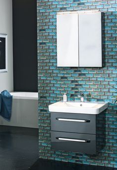 Ein Badezimmer ohne Waschtisch? Unvorstellbar. Deshalb dürfen Badezimmermöbel-Sets bestehend aus Waschbecken und Unterkasten mit ausreichend Stauraum in Ihrem Bad nicht fehlen. Chrome, Vanity Basin, Closet Storage